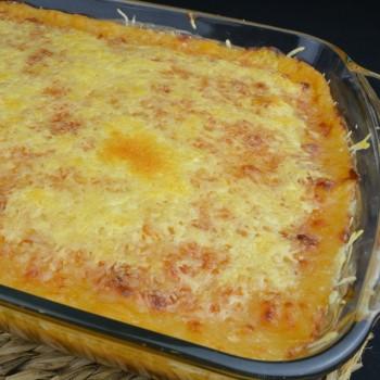 Pastel de carne gratinado con queso