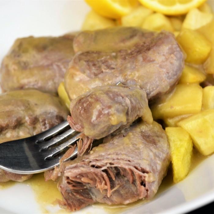 Carrilleras de cerdo con salsa de limón